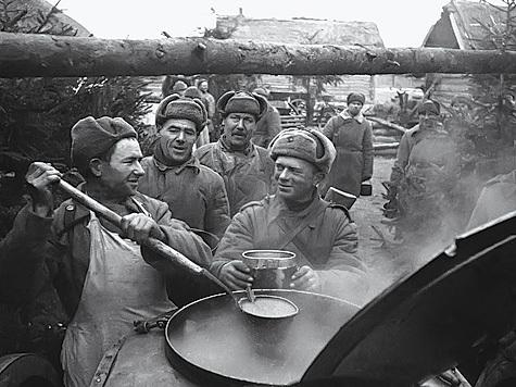 Голодный солдат – плохой солдат. Народная мудрость. Фото из архива редакции.