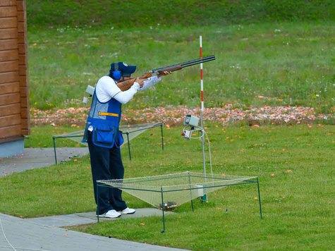 Если кто-то считает, что стрельба по тарелкам — занятие бессмысленное или, может быть, почти недоступное,то он ошибается и в том, и в другом случае. Фото: fotolia.com