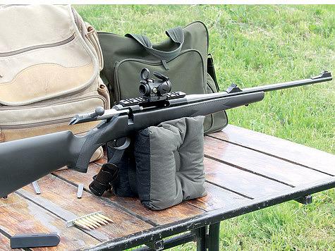 Часто для установки оптики на оружие используют цельную планку Вивера. Фото Антона Журавкова.