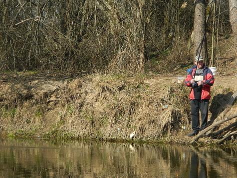 Плотву можно успешно ловить весь сезон открытой воды. Фото автора.