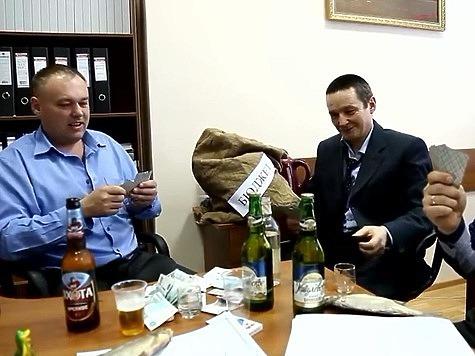 Чиновников охотдепартамента Оренбуржья уволили после стриптиза и пьянки