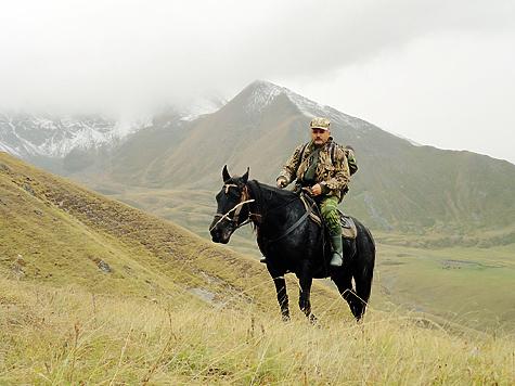 Лошади на горных охотах — это лучшее, что создал Господь для человека. Сколько сил, времени и жизней охотников они спасли! Фото автора