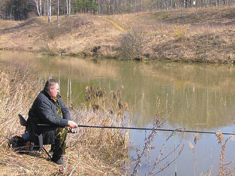 Рыбалка на малой реке ранней весной