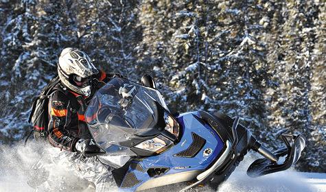 Снегоходы Lynx, невзирая насхожесть саппаратами Ski-Doo— сугубо финский взгляд нато, каким должен быть настоящий сноумобиль для суровых парней.