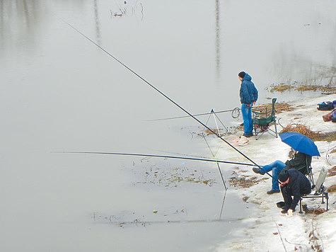Ловля в ледяной воде до поднятия мути