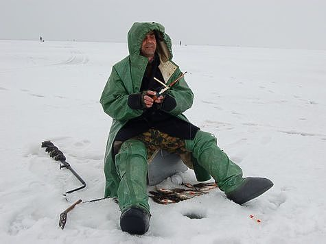 Если застегнется, то замерзнет. Фото: Андрей Яншевский.