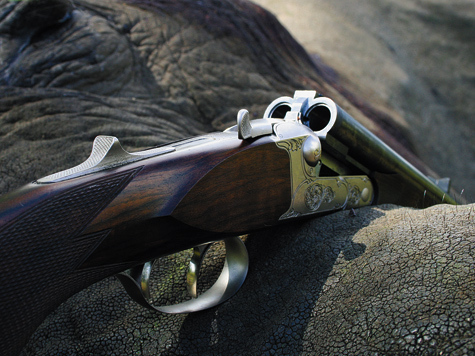 Фото Олега Покровского. С оружием под патрон .577 еще исегодня охотятся накрупных африканских животных.