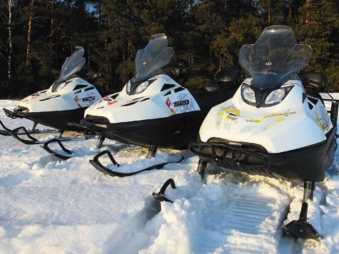 Все три модели снегоходов STELS построены наодной базе иразличаются только силовыми установками.
