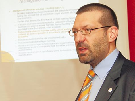 Официальный представитель AEWA Сергей Дерельев