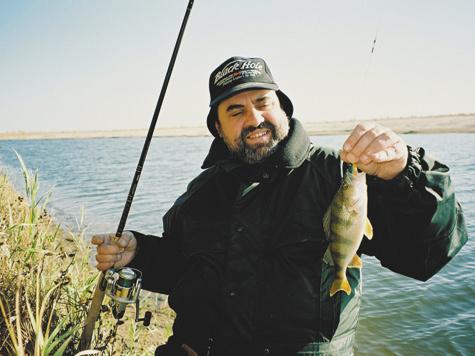 у рыболова снасти а у охотника