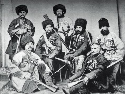 Образ жизни наКавказе делал из казаков опытнейших следопытов, учил превосходному владению оружием влюбых условиях.