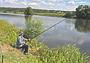 Кого ловить на малой реке летом