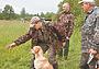 Доверительные отношения: охотник и собака